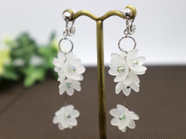 お花のイヤリング